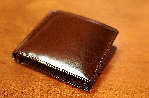 FUJITAKAの二つ折り財布