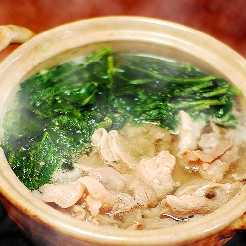 豚ロースの薄切り肉とほうれん草の常夜鍋