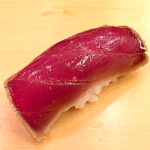 吉野鮨のマグロ漬け
